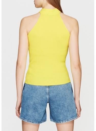 Mavi Triko Sarı